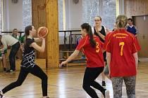 Basketbalisté soutěžili o postup do krajského kola.