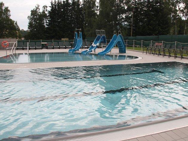 Areál vodních sportů ve Vimperku je hotov zatím jen zčásti, dokončena je pouze první z pěti etap.