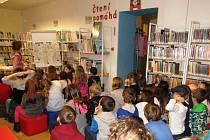 Česko čte dětem v Městské knihovně v Prachaticích.