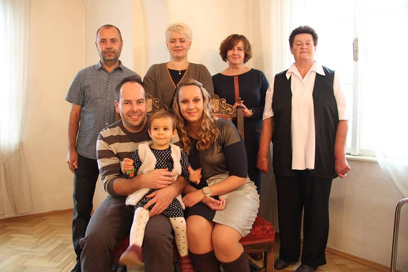 Nikol Králíková s rodinou.