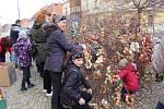 Vlachovobřezští ozdobili břízu 5725 vejci.