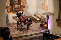 Koncert ZUŠ Prachatice v kostele sv. Anny na Libínském Sedle.