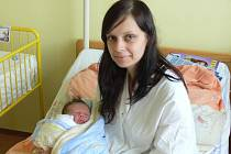 Adam Vanýsek se v prachatické porodnici narodil v úterý 24. září v 11.40 hodin. Při narození vážil 3,5 kilogramu. Rodiče Vladěna a Martin si syna odvezli do Čkyně. Na malého Adama se těšil bráška David (2,5 roku).