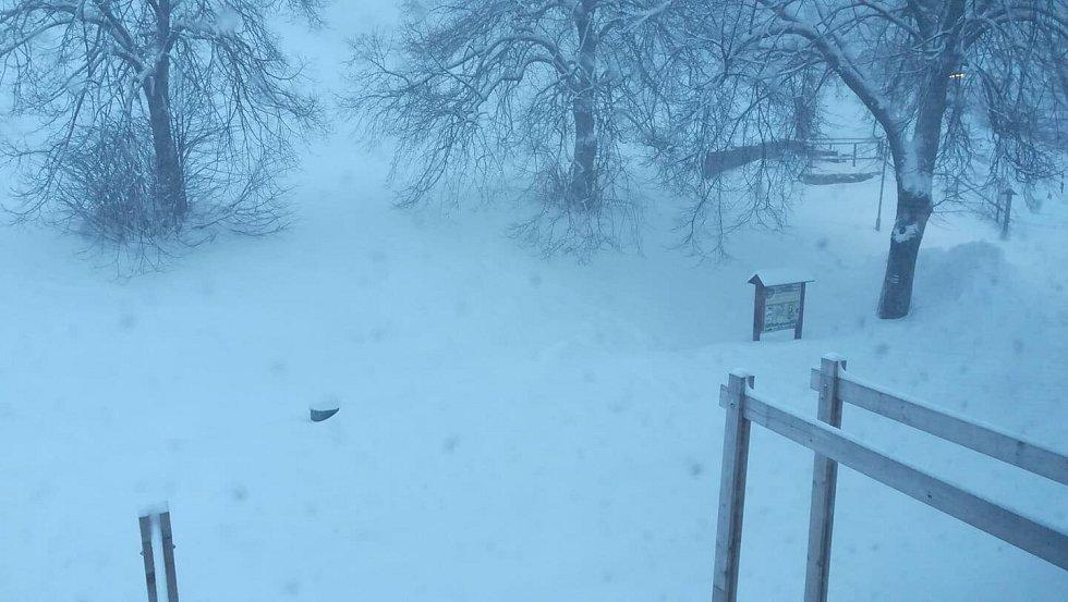 Přes třicet centimetrů sněhu leží aktuálně na Javorníku na Prachaticku.
