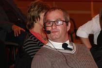 Radek Harazim přišel před rokem s nápadem obohatit kulturní nabídku ve Vimperku a současně tím pomáhat lidem se zdravotním postižením.