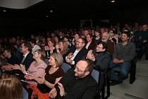 Od pondělí do pátku patří Městské divadlo v Prachaticích amatérským divadelním souborům.