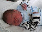Tobiáš Mauric se narodil ve čtvrtek 30. listopadu v prachatické porodnici v 10.05 hodin. Vážil 3850 gramů. Rodiče Iva Roučková a Eduard Mauric jsou z Prachatic a vychovávají spolu také o jedenadvacet měsíců staršího chlapečka Eduarda.