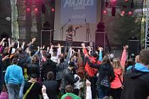 Vimperský Majáles přitáhl loni do letního divadla kolem tisícovky lidí. Letos chtějí organizátoři návštěvnost ještě zvýšit.