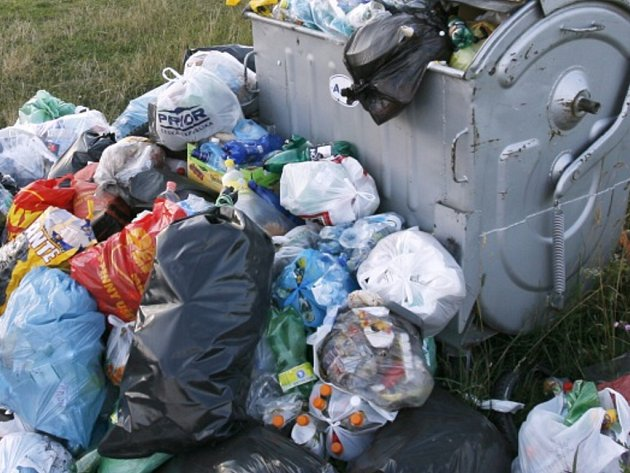 Vimperští v příštím roce zaplatí za svoz komunálního odpadu 480 korun. Ilustrační foto.