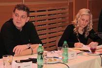 Bývalý předseda kontrolního váboru Zdeněk Kutil a bývalá členka kontrolního výboru vimperského zastupitelstva Iveta Preslová.
