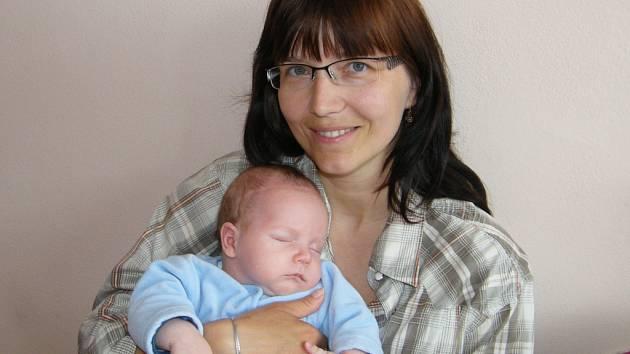 Jakub Jan Tetour se v prachatické porodnici narodil  21. dubna ve 20.45 hodin, vážil 4220 gramů a měřil 52 centimetrů. Rodiče Jana  a Jan Tetourovi jsou z Prachatic. Na brášku se těšili sourozenci dvanáctiletý Milan a tři a půl roční Zuzanka.