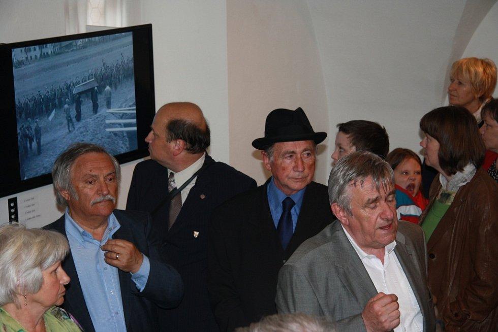 Prachatické muzeum využilo oslavy 70. výročí konce druhé světové války v centru města a propojilo tak Muzejní noc, při níž představilo svou výstavu k tématice květnových událostí na Prachaticku.