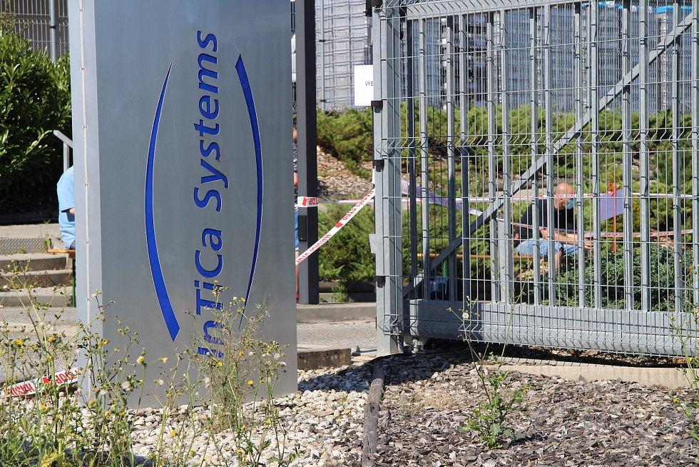 Druhá vlna testování v prachatické firmě InTiCa Systems.