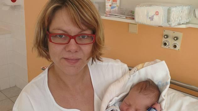 Josef Kalous z Kvildy se narodil v písecké porodnici ve čtvrtek 13. února dvacet minut před druhou hodinou odpolední. Při narození měřil  51 centimetrů a vážil 3,6 kilogramu.