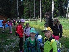 Děti se s vimperským Šumavousem nenudí. Foto: Šumavous Vimperk.