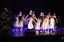 Předvánoční koncert ZUŠ Prachatice v Městském divadle.