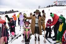 Na sjezdovce ve Kvildě bylo veselo. Na karneval dohlížel Šumanoš.