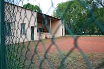 Volejbalové kurty v Prachaticích se dočkají opravy, začít by se mělo ještě před koncem letních prázdnin.