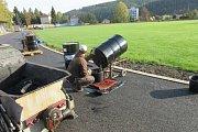 Opravy na Městském stadionu ve Vimperku finišují.