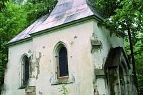 DOČKÁ SE OPRAVY. Spolu se stavbou léčebného centra na Lázních sv. Markéty by měla být opravena i kaple z 19. století.