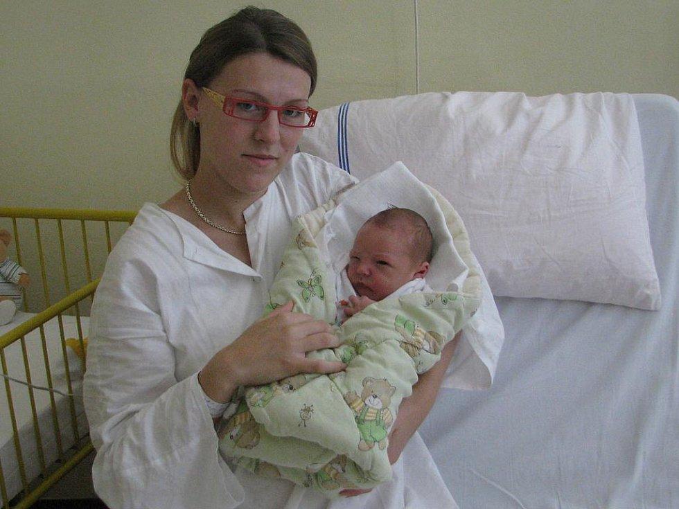 Matěj Nachlinger  se v prachatické porodnici narodil 18. srpna 2011 pět minut po páté hodině odpolední, vážil 3780 gramů a měřil 52 centimetrů. Rodiče Iveta Cinádrová a Martin Nachlinger si svého prvního syna odvezli do Řepešína.