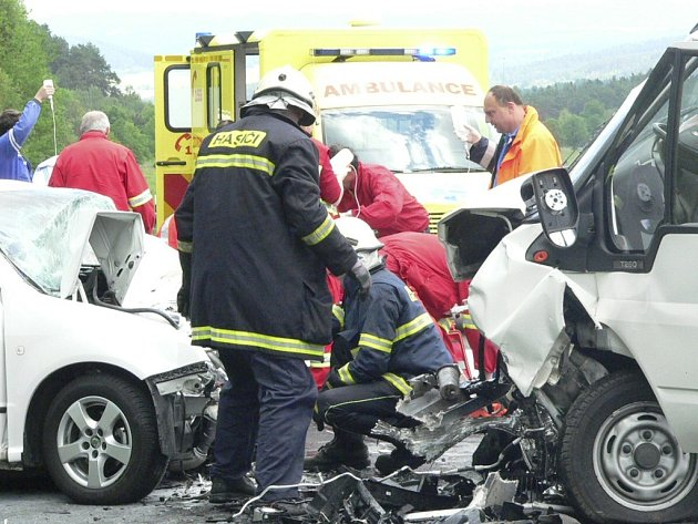 Vážná nehoda zastavila provoz na tři hodiny