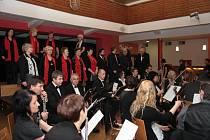 Česká mše vánoční v podání Pošumavské komorní filharmonie, sboru Česká píseň a pozvaných sólistů.
