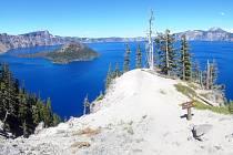 Národní park Crater Lake nese název po jezeru, které vzniklo po výbuchu sopky.