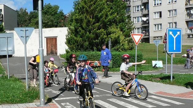 Od října už nebudou muset děti z Vimperka na dopravní hřiště daleko dojíždět.