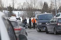Pendleři na hraničním přechodu ve Strážném na Prachaticku. Ilustrační foto.