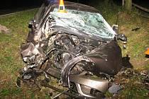 Řidič nezvládl řízení, těžce zranil sebe i další tři spolujezdce.