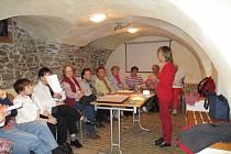 Velikonoční zvyky a recepty popsala v knihovně Růženka Vinciková.