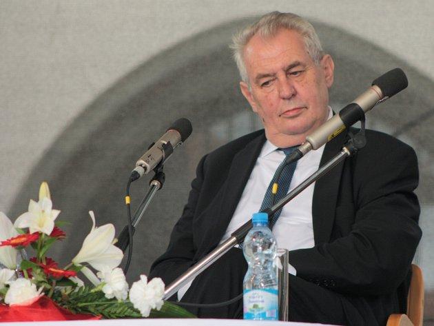 Ve čtvrtek 2.června 2016navštívil vrámci své návštěvy Jihočeského kraje prezident ČR Miloš Zeman také Prachatice. Po obědě a setkání se zástupci místních samospráv následovalo itradiční setkání sobčany.