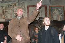 Téměř pět století se pod vrstvami nátěrů na stěnách presbytáře kostela sv. Jakuba v Prachaticích ukrývaly unikátní gotické malby. Jejich slavnostní odhalení si nenechaly v sobotu ujít desítky nadšenců.