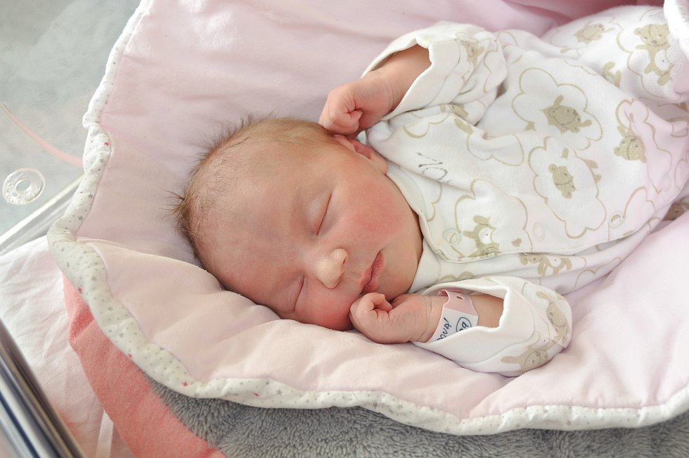 TEREZA ZLOCHOVÁ, VACOV. Narodila ve středu 25. září ve 23 hodin a 58 minutve strakonické porodnici. Vážila 3240 gramů. Rodiče: Tereza a Petr.