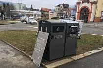 V centru Prachatic je možné třídit odpad.