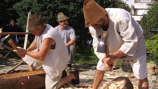 Předposlední srpnový víkend patří již od roku 1993 volarským Slavnostem dřeva, tedy příležitosti k poznání mnohých zapomenutých řemesel i k dobré zábavě a setkání s přáteli.