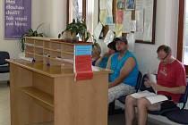 Registr vozidel v Prachaticích v pátek fungoval, i když byl hodně pomalý.