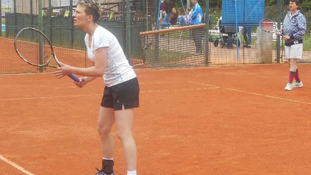 Prachatickým tenistům tentokrát zápas v Českém Krumlově nevyšel.