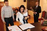 Starosta Prachatic Martin Malý přivítal v první skupince šest nových občánků Prachatic.