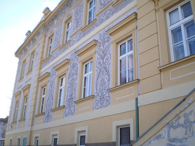 Pronajmout volné prostory se zatím městu nedaří ani v části školní budovy Sova v ulici Zlatá stezka.