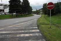 Město bude o převedení pozemku pod místní komunikací usilovat. Ovšem až potom, co si Ředitelství silnic a dálnic udělá pořádek ve vlastní silniční síti.