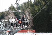 O víkendu si lyžaři na Zadově užívali poslední lyžovačky v této sezoně.