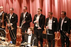 Kapela Old Steamboat Jazz Band oslavila v sobotu 10. listopadu 30 let své hudební činnosti.