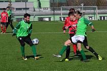 Fotbalová příprava: Tatran Prachatice (červené dresy) – Slavoj Český Krumlov 1:1 (1:0).