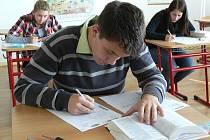 Studenti si vybírají spíše lehčí maturitní zkoušku.