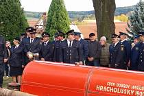Sbor dobrovolných hasičů připravil na sobotu 7. října malou slavnost. Kněz požehnal hasičskému autu.