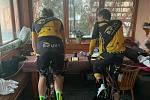 Cyklisté absolvují ROUVY Real Spring Classics.