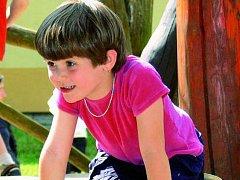 ZÁBAVA PŘEDEVŠÍM. Dětem z mateřské školy v Zahradní ulici v Prachaticích ke spokojenosti nic nechybí. Ilustrační foto.