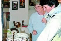 VÝSTAVA V MUZEU. V Prachatickém muzeu je od 19. listopadu k vidění výstava výrobkůprachatických seniorů.